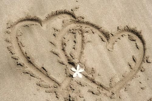 2 hearts on beach 2